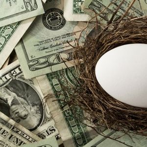 Americans, behind in the race to build retirement savings, take steps to catch up
