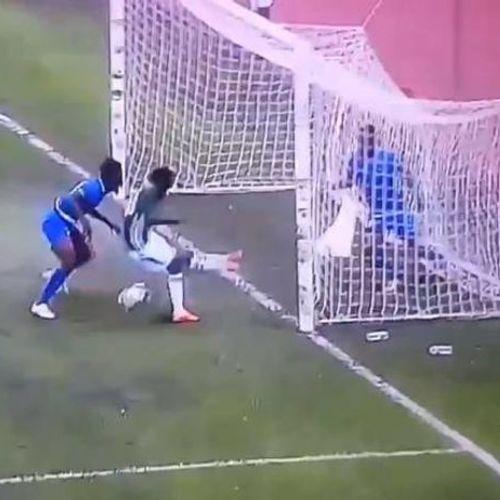 ВИДЕО: Кога помисливте дека имате видено сѐ - оваа фудбалска акција не се објаснува ниту со наука