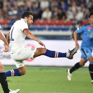 ВИДЕО: Челзи првпат поразен на подготовките, Кавасаки го шокира фаворитот