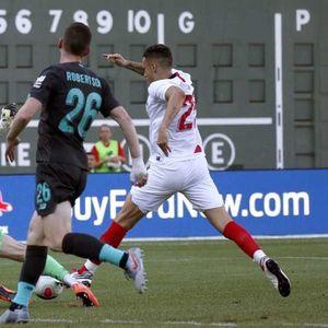 Севиља со десетмина го сруши Ливерпул, младиот Поцо е јунакот на Лопетеги