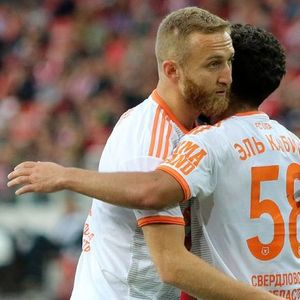 Урал ја освои Москва, Локомотив триумфално се враќа од Сочи