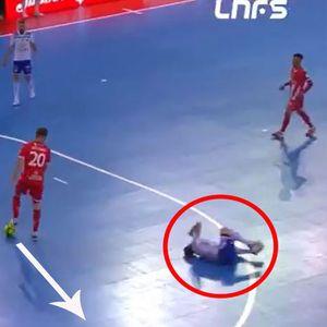 """Ваков """"фер-плеј"""" ретко се гледа - не даде гол поради повреден противник"""
