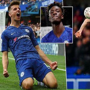 """Заминувањето на Азар и трансфер забраната добро влијаеја на """"младиот"""" Челзи"""