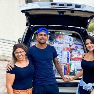 Коста ја покажа хуманата страна, делеше помош во родниот Порто Алегре