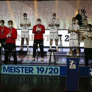 """Кил во """"корона-стил"""" го подигна шампионскиот трофеј од Бундеслигата"""