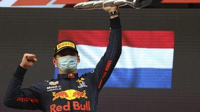 Verstappen beats Hamilton in dramatic Emilia-Romagna GP