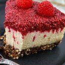 Сирово задоволство: Торта од малина со бело чоколадо