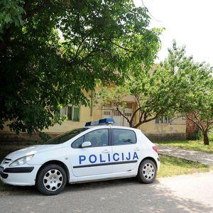HAPŠENJE U KNIĆU: Policija u kući osumnjičenog pronašla dva pištolja, više metaka i delove za oružje