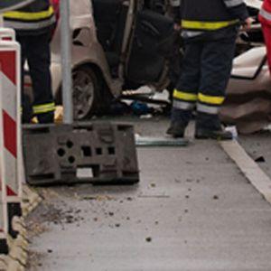 NESREĆA NA AUTO-PUTU KOD KUZMINA: Dvoje povređenih u smeru ka Beogradu, na Batrovcima kilometarske kolone