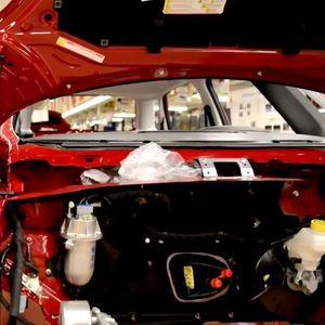 STIŽE NOVI MODEL U KRAGUJEVAC: Spajanje automobilskih giganata znači mnogo više posla za SRPSKU FABRIKU