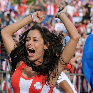 SEĆATE SE LARISE RIKELME? VATRENA navijačica ponovo DOMINIRA: Atraktivna Paragvajka i dalje žari i pali! FOTO