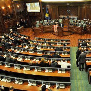 RASPUŠTENA KOSOVSKA SKUPŠTINA: Slede vanredni parlamentarni izbori
