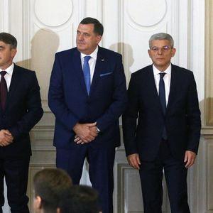 VESELA POSETA SLOVENIJI: Pahor doveo harmonikaše članovima Predsedništva BiH, Dodik ih odmah zakitio!