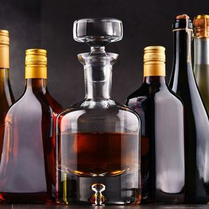 NEČUVENA KRAĐA U SMEDEREVU: Deca pokrala alkohol u vrednosti preko 600.000 dinara