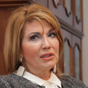 NE MOŽE SIMICA DA BIRA S KIM ĆU JA DA SE DRUŽIM! Suzana Mančić otkrila sve detalje braka na daljinu sa GRČKIM BANKAROM!
