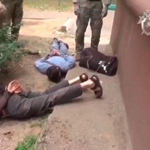 POGLEDAJTE KAKO FSB PRAVI RACIJU U MOSKVI: Rusi otkrili ćeliju Islamske države i RAZBILI IH TAKO DA NISU ZNALI GDE SU!
