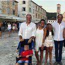 RADOVALI SU SE LETOVANJU U HRVATSKOJ I NE SLUTEĆI  KAKAV UŽAS IH ČEKA: Ovo je POSLEDNJA ZAJEDNIČKA FOTOGRAFIJA PRE TRAGEDIJE! Italijani su sa porodicom i prijateljima planirali da plove Jadranom, a onda je počeo pakao!