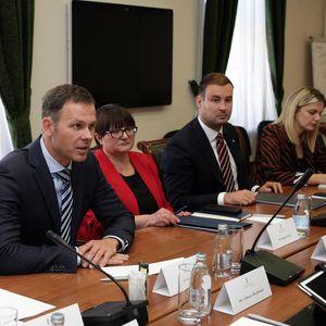 MALI SE SASTAO SA MINISTROM FINANSIJA SURINAMA: Srbija može da pomogne toj zemlji da stabilizuje svoje javne finansije