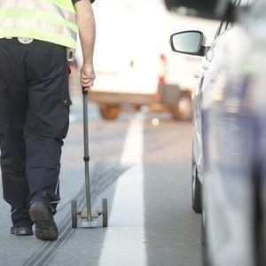 KARAMBOL U NOVOM BEOGRADU KOD BUVLJAKA: Teška nesreća, auto se prevrnuo na krov