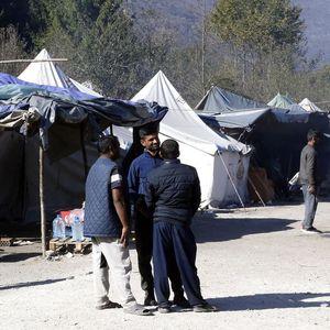 DRAMA U ZENICI: Migranti provalili u napuštenu kuću, pa se potukli! Jedan je teže povređen, a drugi lakše