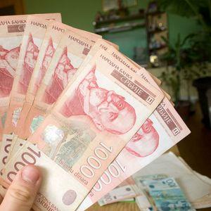 DINAR STAMEN: Evro danas po srednjem kursu 117,56