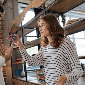 U IZOLACIJI STE NEDELJAMA I STALNO SE SVAĐATE! Svetski psiholog tvrdi da PRAVILO 5 MINUTA može da vam spase brak