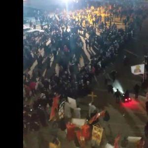 PODGORICA NIJE IZNEVERILA: I večeras hiljade vernika prisustvuje litiji za odbranu svetinja!