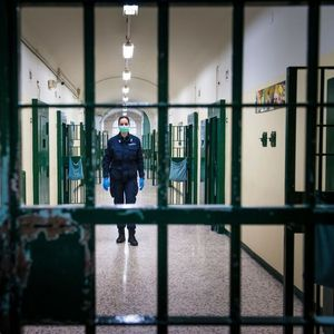 PREBLEDELI, STIGLE IM ŠOK PORUKE: Oko 200 Slovenaca od ministarstva dobilo poruke da će biti uhapšeni, ni krivi ni dužni!