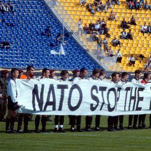DAN KAD SU PARTIZAN I AEK JASNO REKLI: NATO, zaustavi rat, stop bombardovanju! VIDEO