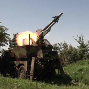 SRPSKO ORUŽJE TRAŽENA ROBA U INOSTRANSTVU: Prošle godine prodato 1.500 artiljerijskih raketa, 72 oruđa i 10 oklopnih vozila