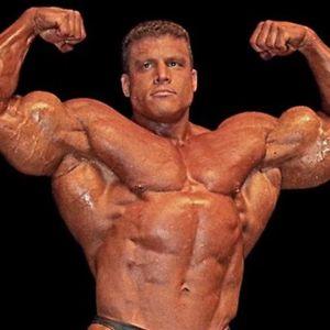ZVALI SU GA ČOVEK TENK Unosio 13.000 kalorija dnevno, bicepse razvio do neverovatnih 70 cm, ali srce nije izdržalo VIDEO
