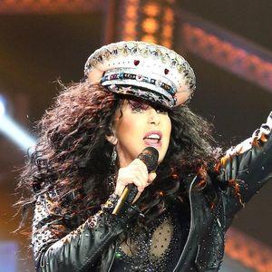 BILA JE MILIJARDERKA, A SADA JE NA RUBU EGZISTENCIJE! Pevačica izgubila sav novac, a evo kako danas zarađuje!