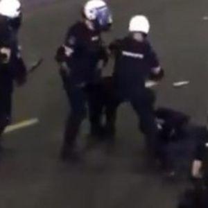 SNIMAK KOJI JE UZNEMIRIO SRBIJU: 20 policajaca ga udara i šutira pri intervenciji na Terazijama!