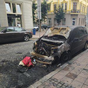 VATRA UZNEMIRILA BEOGRAĐANE: Dva automobila izgorela na Dorćolu