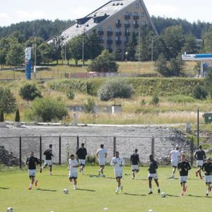CRNO-BELI UPALILI MOTORE NA ZLATIBORU: Fudbaleri Partizana odradili trening na srpskoj planini