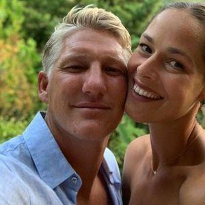 MISTERIJA OKO IVANOVIĆEVE: Bivša srpska teniserka ponovo trudna? Ana prošetala stomačić na plaži u Španiji