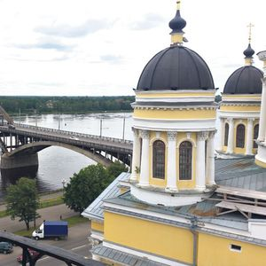 KOMUNISTI HRAM PRETVORILI U TOALET, PA MOLILI ZA OPROŠTAJ: Neverovatna istorija pravoslavne svetinje u ruskom Ribinsku