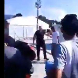 SUKOB U KAMPU KOD BIHAĆA: Migranti uz povike nasrnuli na policajce, kamera snimila ceo incident