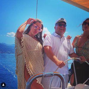 POTPREDSEDNIK PARTIZANA PROVOZAO NAJLEPŠU ŽENU EVROPE! Vuletić na brodu uživao u društvu atraktivne Crnogorke! FOTO
