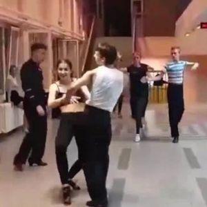ZVEZDE LATINO PLESA U AKCIJI: Pogledajte kako VATRENO i STRASNO igraju plesaci Srbije!