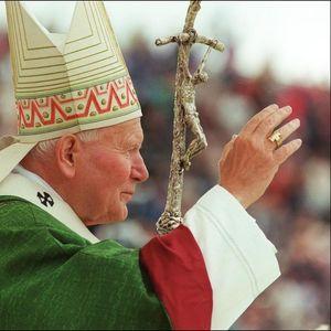 VREDNA RELIKVIJA PAPE JOVANA PAVLA II UKRADENA U ITALIJI: U predmetu od zlata i kristala čuvaju se kapi krvi sveca!