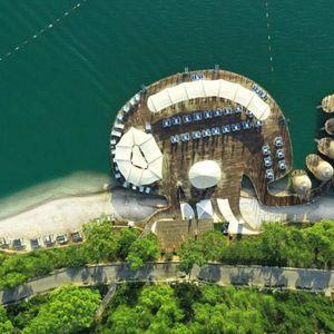 ŠARM SEPTEMBARSKOG SUNCA: Uhvatite još uvek tople zrake na prrivatno plaža u hotelu na sopstvenom poluostrvu