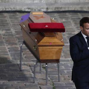 FRANCUSKA ODALA POŠTU UBIJENOM NASTAVNIKU Makron: Pati je ubijen jer islamisti žele našu budućnost