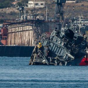 NEVIĐEN SUDAR BRODOVA U GRČKOJ: Teretnjak prepolovio ratni brod Kalisto! Kapetan uhapšen! (FOTO, VIDEO)