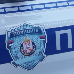 NOVOSAĐANIN POKUŠAO DA UKRADE AKUMULATORE IZ 2 KAMIONA: Vlasnici vozila ga uhvatili na delu, on im pretio nožem