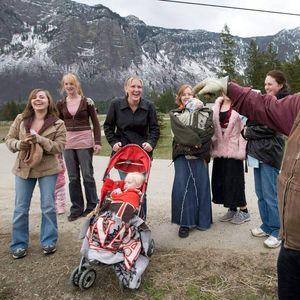IMAM 150 BRAĆE I SESTARA I 27 MAJKI, A NIKOME NISAM SMEO DA PRIČAM! Momak ŠOKIRAO svet pričom o porodici! FOTO
