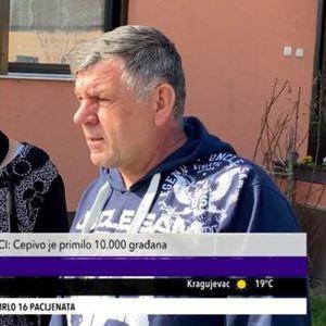 REKORDERI IZ SREMSKE MITROVICE: Vakcinisana porodica od 12 članova, a Jovica je jubilarni 10.000. u svom gradu (KURIR TELEVIZIJA)