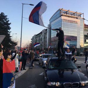SLOBODARSKI NIKŠIĆ SLAVI: Građani samoinicijativno izašli da proslave odlazak DPS u istoriju