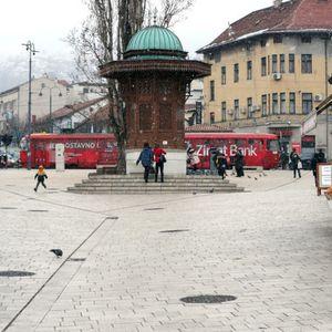 KORONA DRMA VLADU FEDERACIJE BIH: Građani Sarajeva traže smenu Vlade, dali rok do 30. aprila