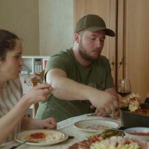 ŽIRI MAJKI NIKAD OŠTRIJI Nije im se dopalo jelo, rekle za filete da su SUVI! Snajka Ana za razliku od svekrve dobila ČISTE DESETKE